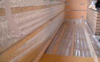 Балкон с трубой от котла отопления отделка