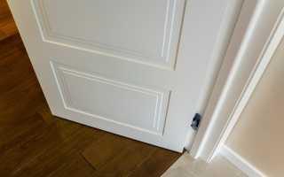 Как сделать коробку на межкомнатную дверь видео