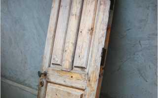 Чем можно обшить деревянную дверь на улице