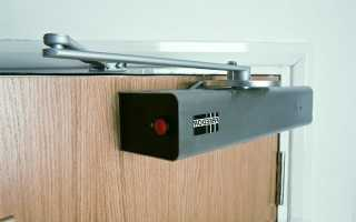Как ставить доводчик на дверь видео