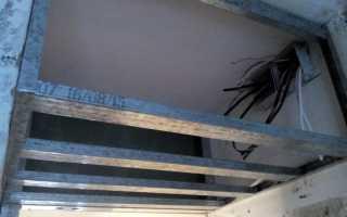 Антресоль под потолком в коридоре своими руками